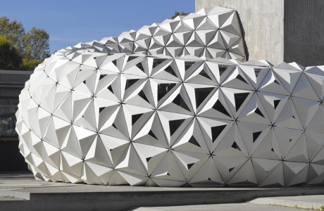 ArboSkin: Durable and Recyclable Bioplastics Facade