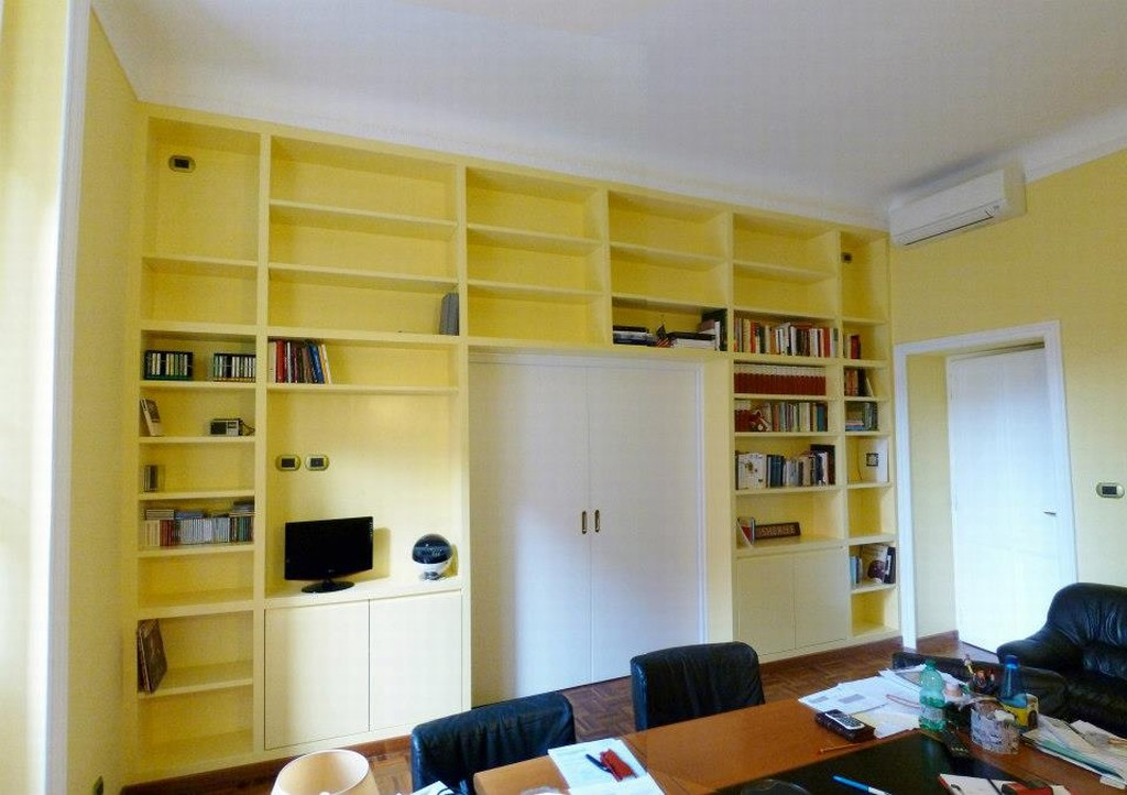 Libreria In Cartongesso Con Mensole In Cristallo Pictures to pin on ...