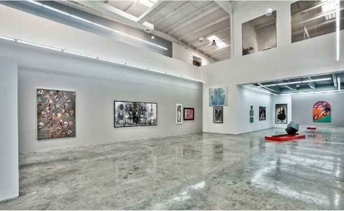 Art gallery interior made by bob azimi Art gallery interior design