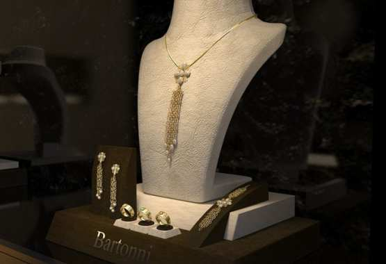 Luxurius jewerly showroom and retail store.